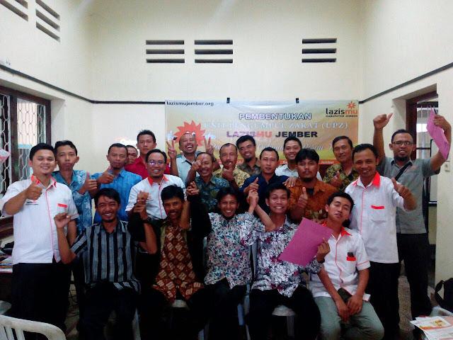Foto Aksi bersama UPZ Lazismu se-Kab. Jember
