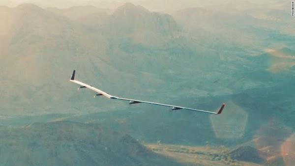 Siap 'Terbangkan' 4 Miliar Orang Drone Internet Facebook Sedang di uji coba