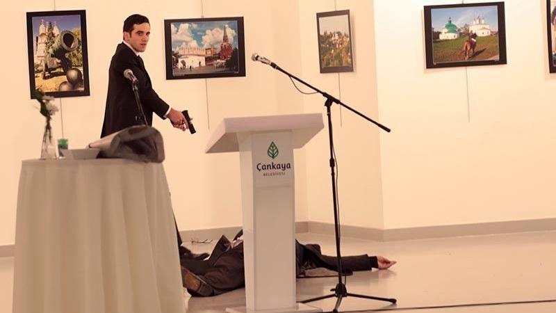 Δολοφονήθηκε ο Ρώσος πρέσβης στην Τουρκία