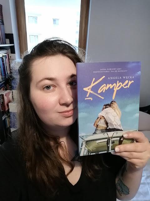 """Wywiad Felicjady: Rozmowa z Angelą Węcką autorką powieści obyczajowej """"Kamper"""""""