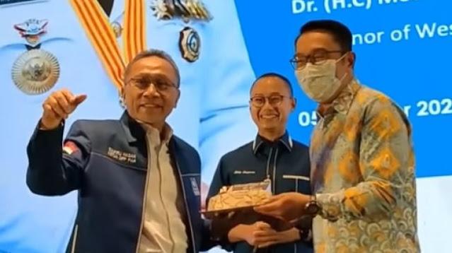 Zulkifli Hasan Doakan Ridwan Kamil Jadi Gubernur Indonesia, Pertanda 2024?