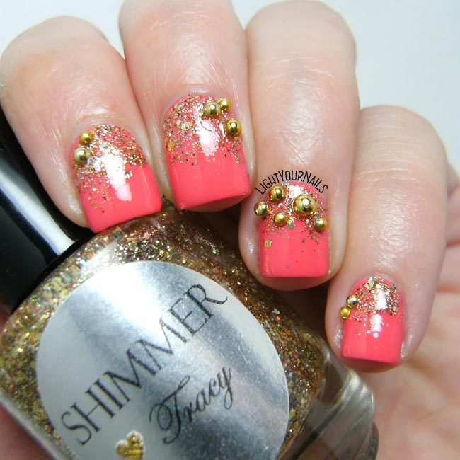 Coral and gold glittery gradient nail art