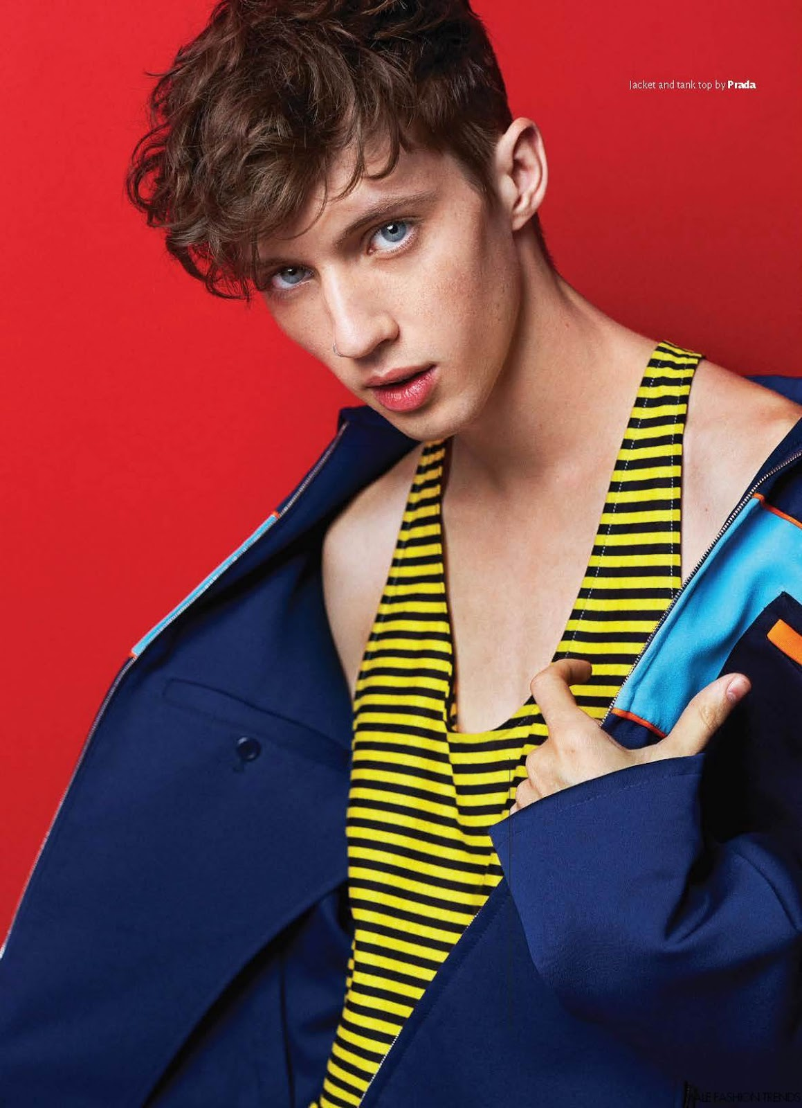 Smart Cute Boy Wallpaper These Are The 10 Best Pictures Of Troye Sivan With His