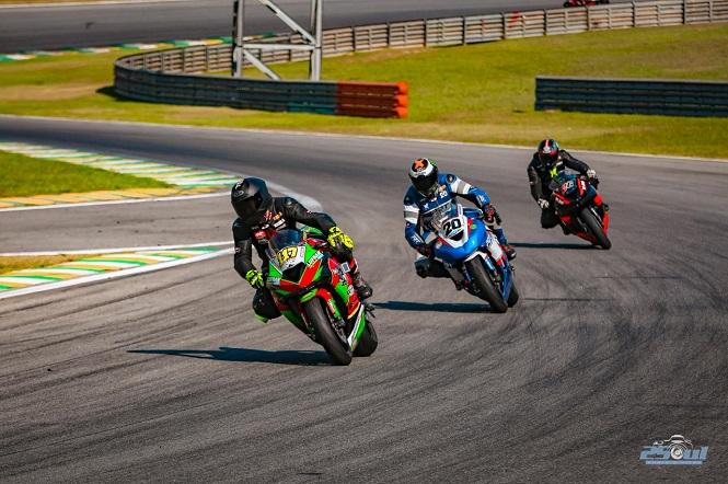 Mundial de Superbike: el mendocino Franco Pandolfino se floreó en Interlagos