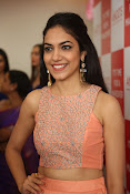 Ritu Varma new glam pics-thumbnail-8