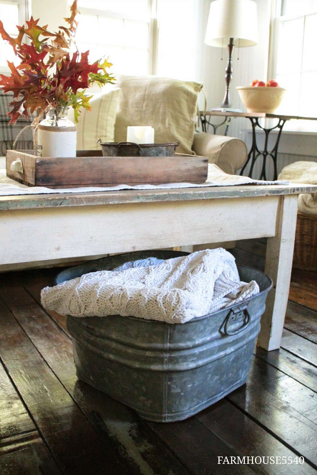 Rustic Living Room Ideas For This Fall: FARMHOUSE 5540: Autumn In The Family Room