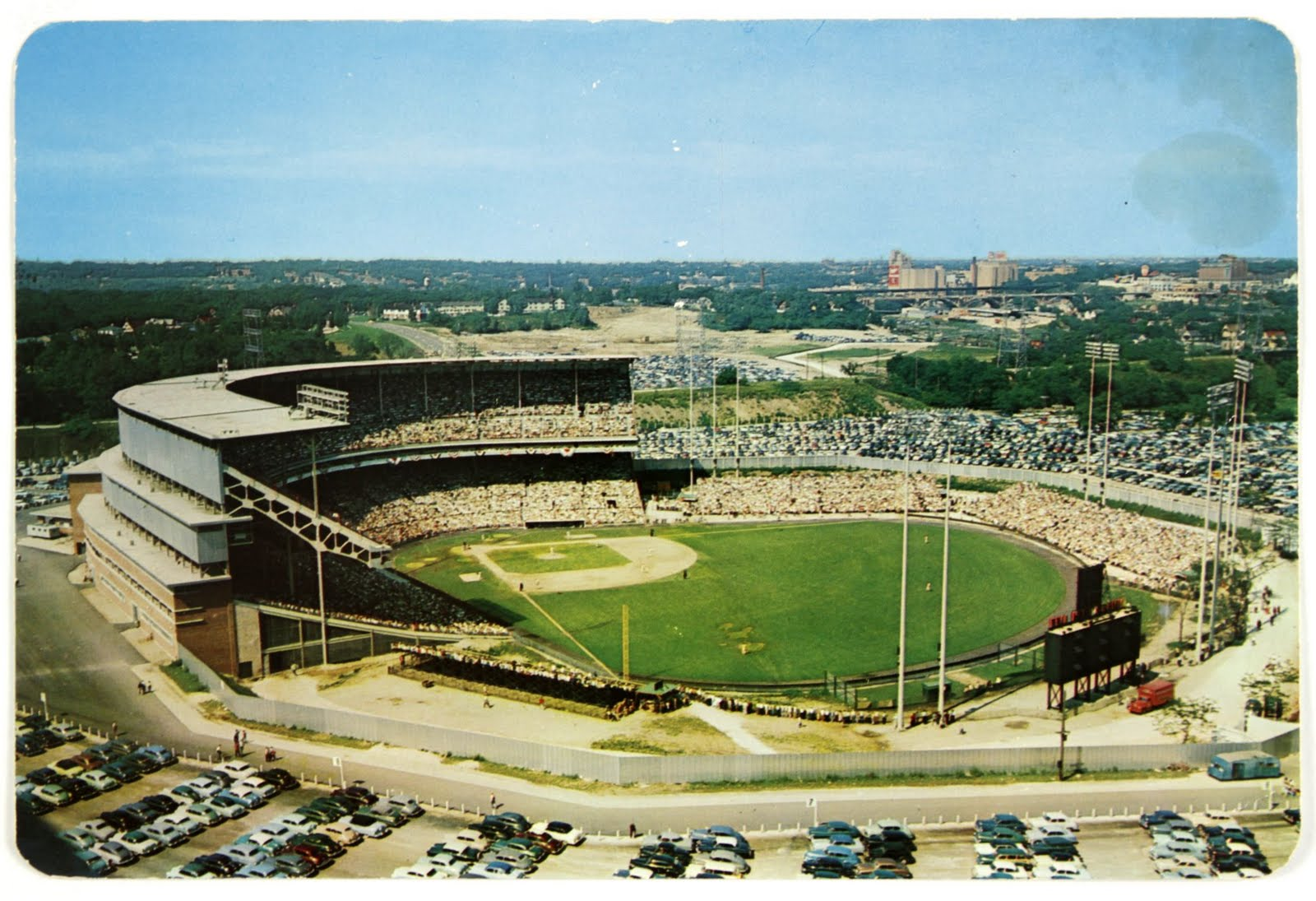 Paris LF: Milwaukee County Stadium