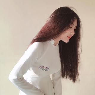 Nữ sinh tên Triệu Vy, sở hữu nhan sắc hút mọi ánh nhìn