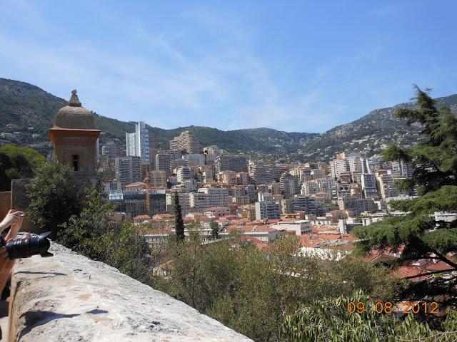 Vista do caminho para a cidade antiga - Mônaco - Europa