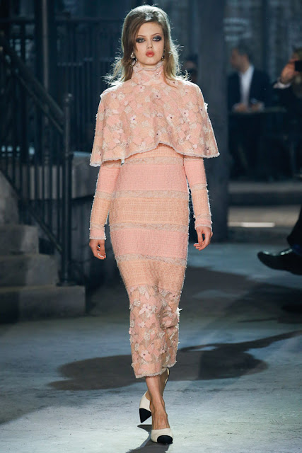 chanel-paris-paris-in-rome-metiers-d-art-2015-16-show-finale