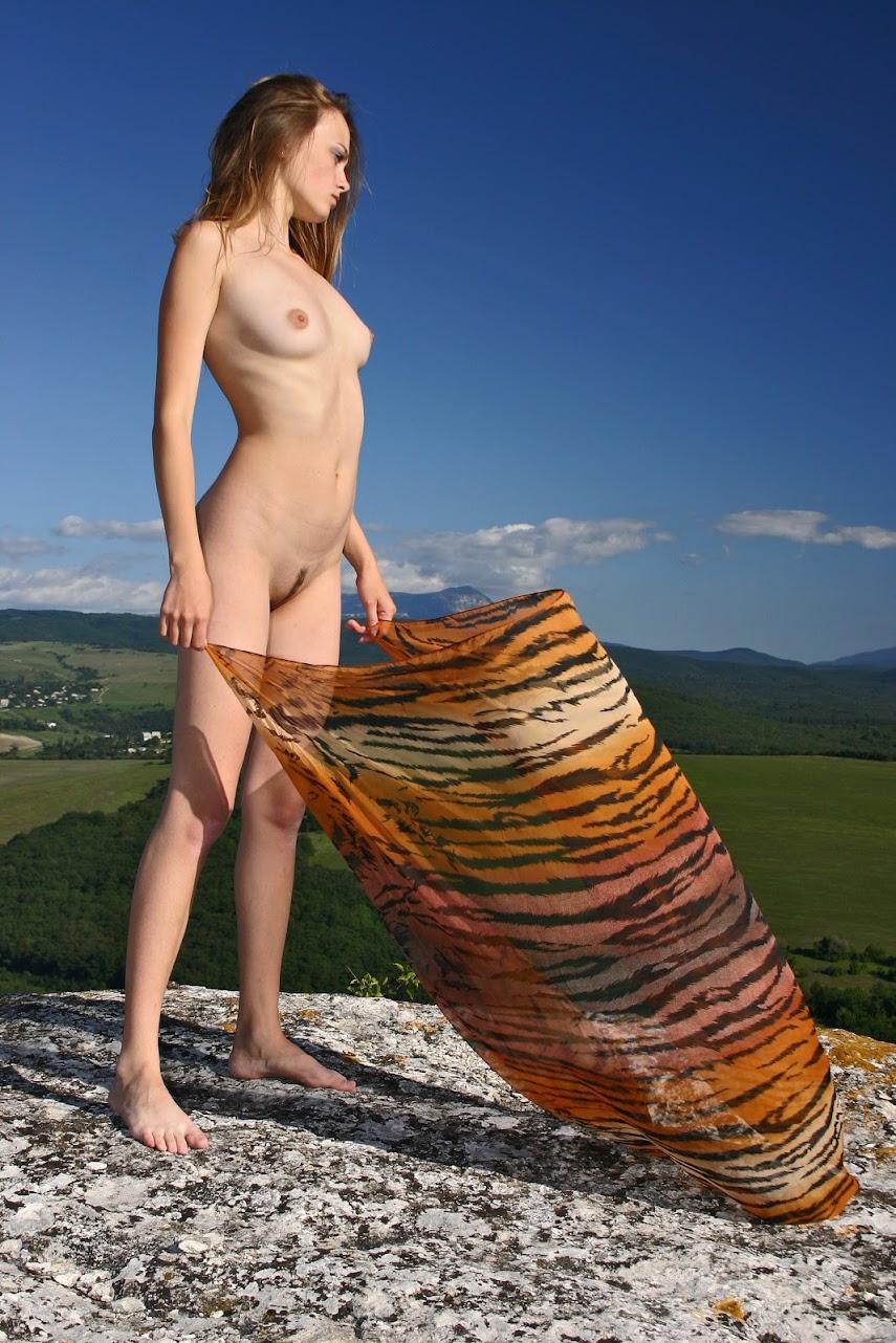 Met-Art 20041111 - Julia I - The Sky Is The Limit - by Max Stan - Girlsdelta