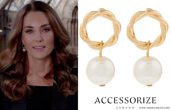 Kate Middleton is wearing a pair of Accessorize London, the British brand's pearl rope drop earrings