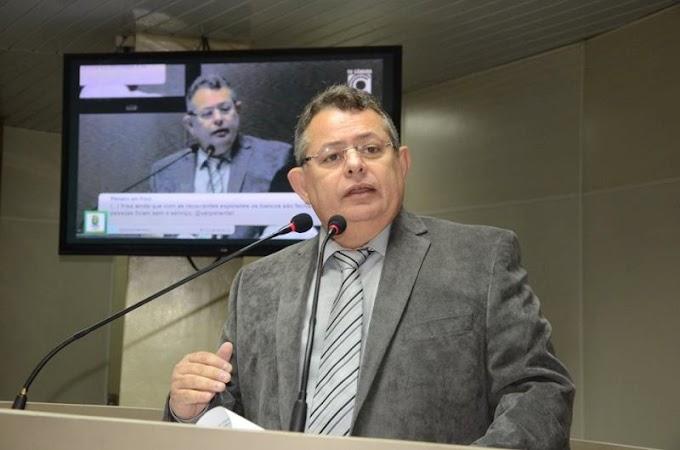Pimentel perdeu reeleição por 20 votos e ex-suplente foi eleito por vantagem de 5