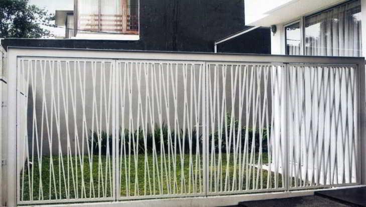 Desain Pagar Besi Rumah Modern Warna Putih
