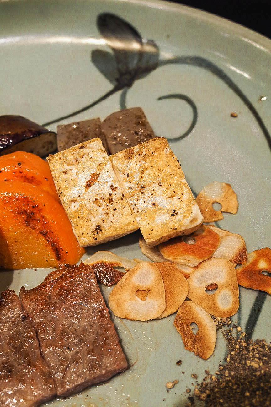 Kobe beef with tofu and garlic