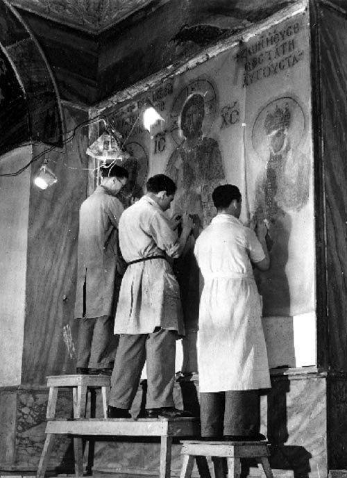 Σπάνιες φωτογραφίες από την αποκάλυψη των ψηφιδωτών της Αγίας Σοφίας