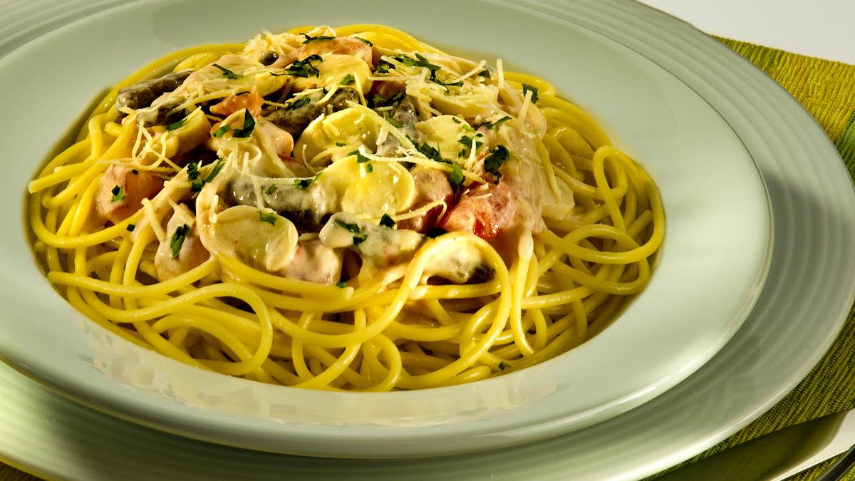 Receita de espaguete ao molho de strogonoff