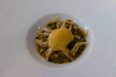 Risotto, crevettes frites et bisque restaurant Kei, blog Délices à Paris.