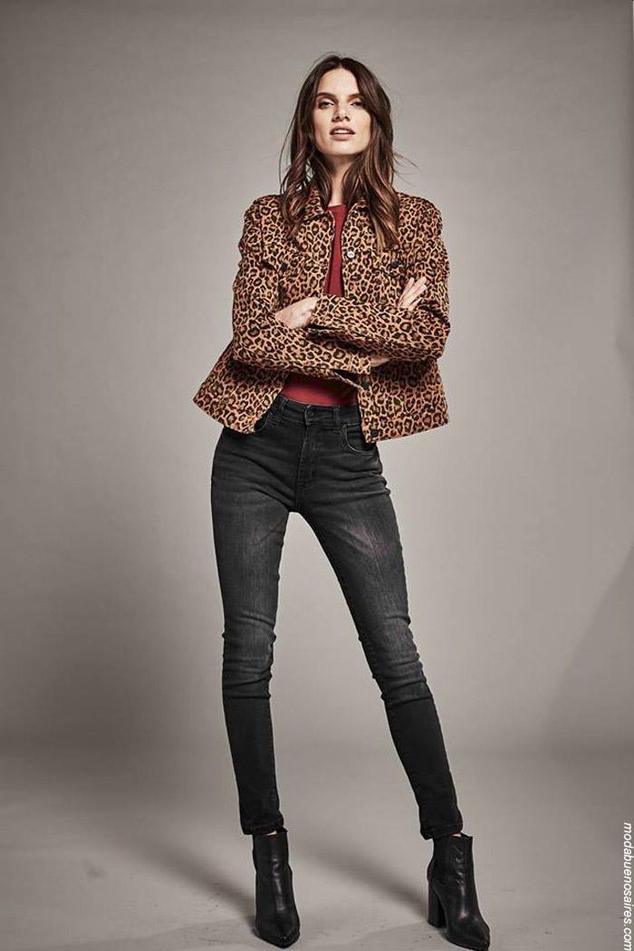 Moda invierno 2019 ropa de mujer. Animal print leopardo invierno 2019.