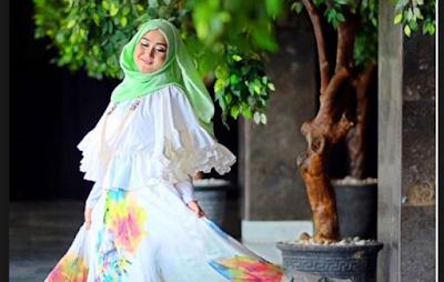 Busana Muslim Dian Pelangi Terbaru