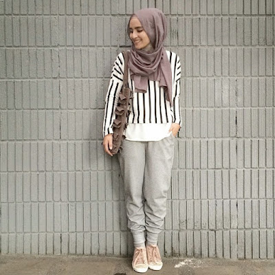 Crop Top Motif Garis