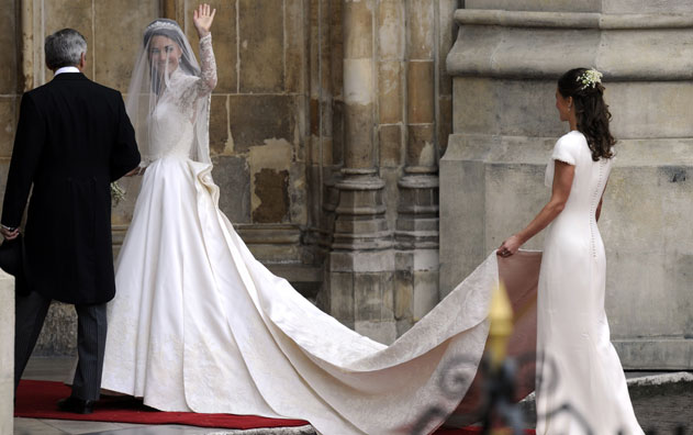Real Royal Weddings: Kate Middleton And William Wedding Photos