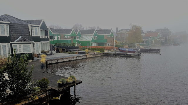 Zaanse Schans landscape: the river and the beautiful houses