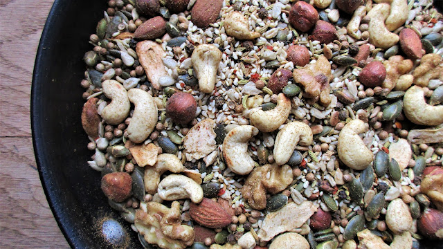 de tout coeur limousin, dukkah, Egyptian spice, healthy eating, nuts, protein, retreat kitchen, seasoning, seeds, spice, spice blend, spice mix, retreats in rural france, creative wellbeing retreat, retreat france, creuse, limousin, nouvelle aquitaine, activity holidays, travel bloggers, travel, guardian travel, singing, meditation