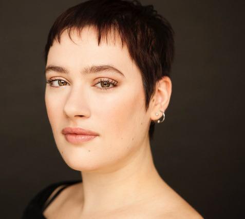 Aimée Verret (Montréal) : Aimée Verret est née et habite à Montréal. Détentrice d'une maîtrise en création littéraire, elle publie chez Triptyque deux.