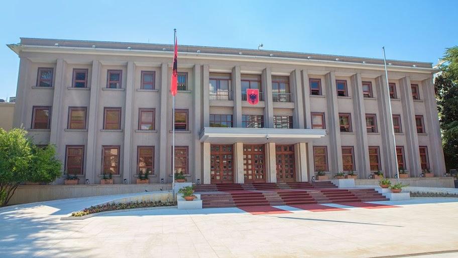 Η αλβανική Βουλή αποφάσισε: Αποπέμπεται ο πρόεδρος Ιλίρ Μέτα