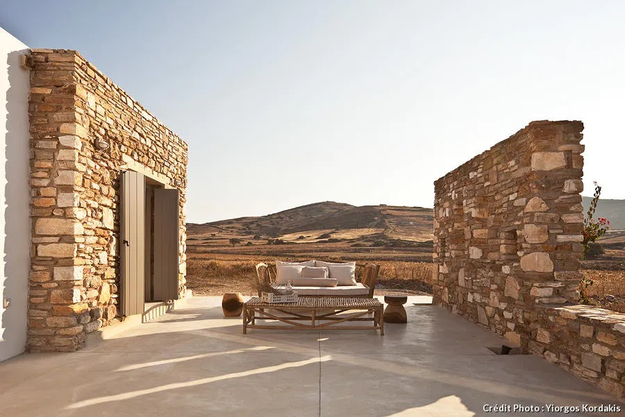 KATIKIA resident on Antiparos island by VOIS architects