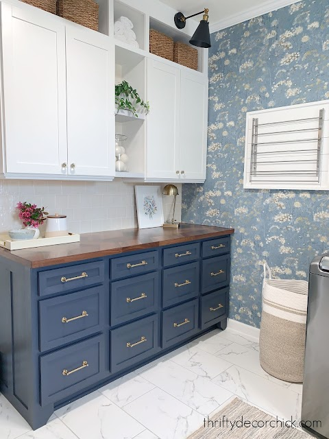 mud room folding counter with wallpaper