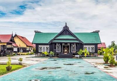 Rumah Adat Kalimantan Utara (Rumah Baloy)