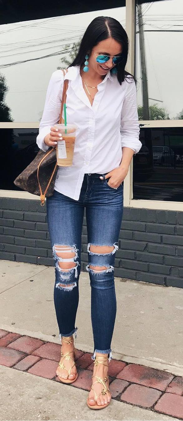 casual outfit: shirt + bag + ripped jenas