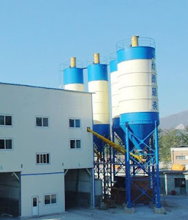 Fiber concrete batching plant with fiber dispersion machine with double layer