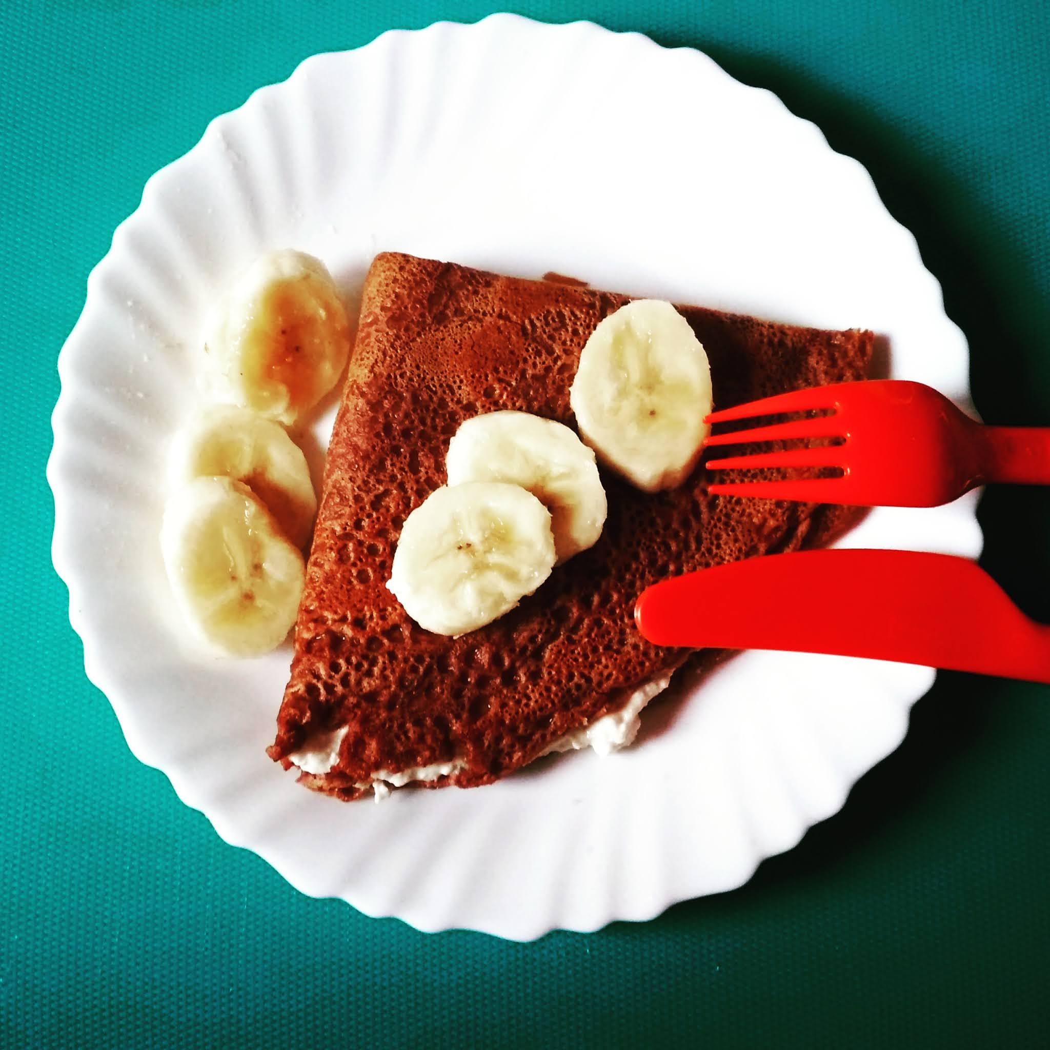 Naleśniki czekoladowe z twarożkiem bananowym