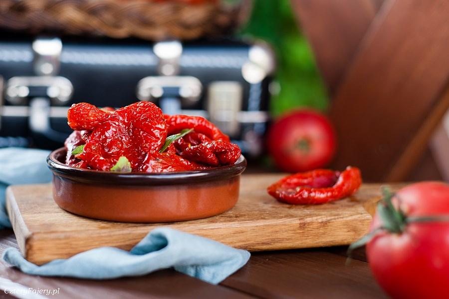 Domow-pomidory-suszone-w-piekarniku