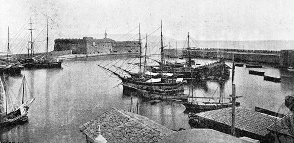 heraklion-venetian-harbour-old