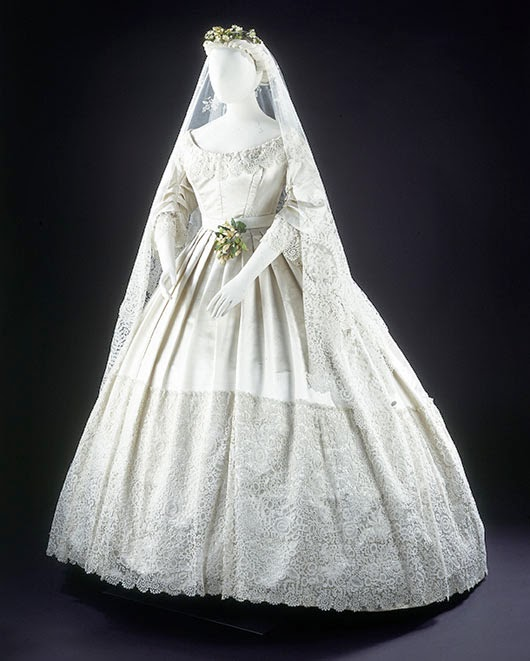Vintage Wedding Dresses In London: Apupok: THE VICTORIA AND ALBERT MUSEUM: V&A