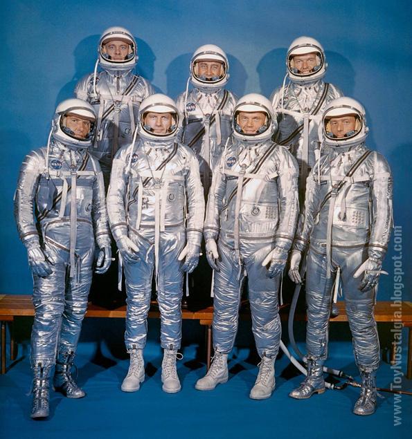 Los 7 integrantes del proyecto MERCURY enfundados en sus trajes espaciales MK4 -1958 (ACTION MAN ASTRONAUT -PALITOY)