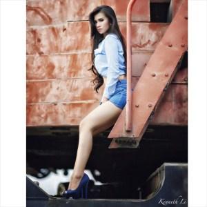 Foto Maria Vania, paha mulus, cantik, seksi, olahraga