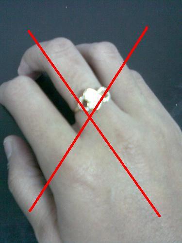 http://1.bp.blogspot.com/-XqIUxSK64YA/UNH1HXcZ5oI/AAAAAAAAAZQ/AQbuy3N7Etw/s1600/cincin+salah.jpg