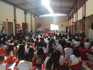 Alunos do CSJD recebem palestra sobre o feriado da revolução pernambucana