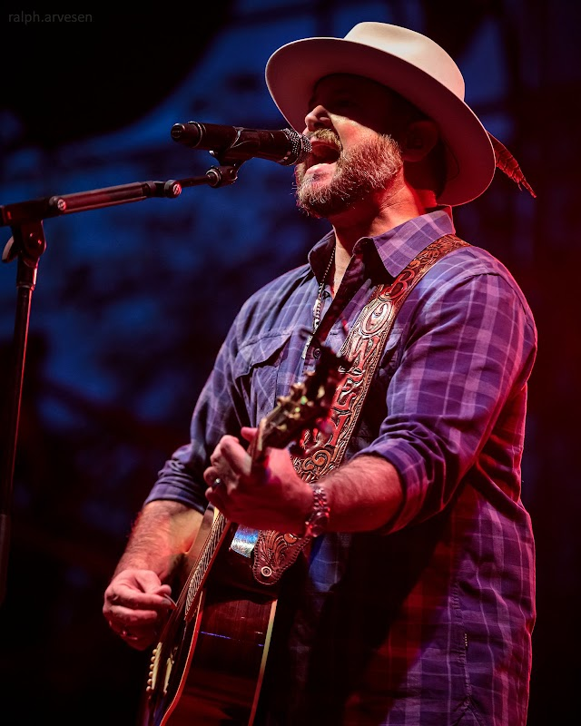 Wade Bowen performing at the Nutty Brown Amphitheatre in Austin, Texas