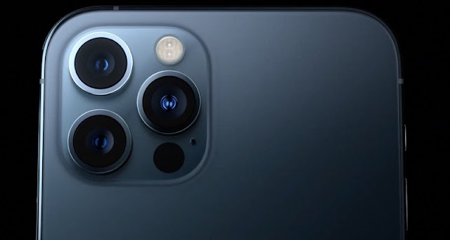 Is the iPhone 13 with 4 camera DSLR?