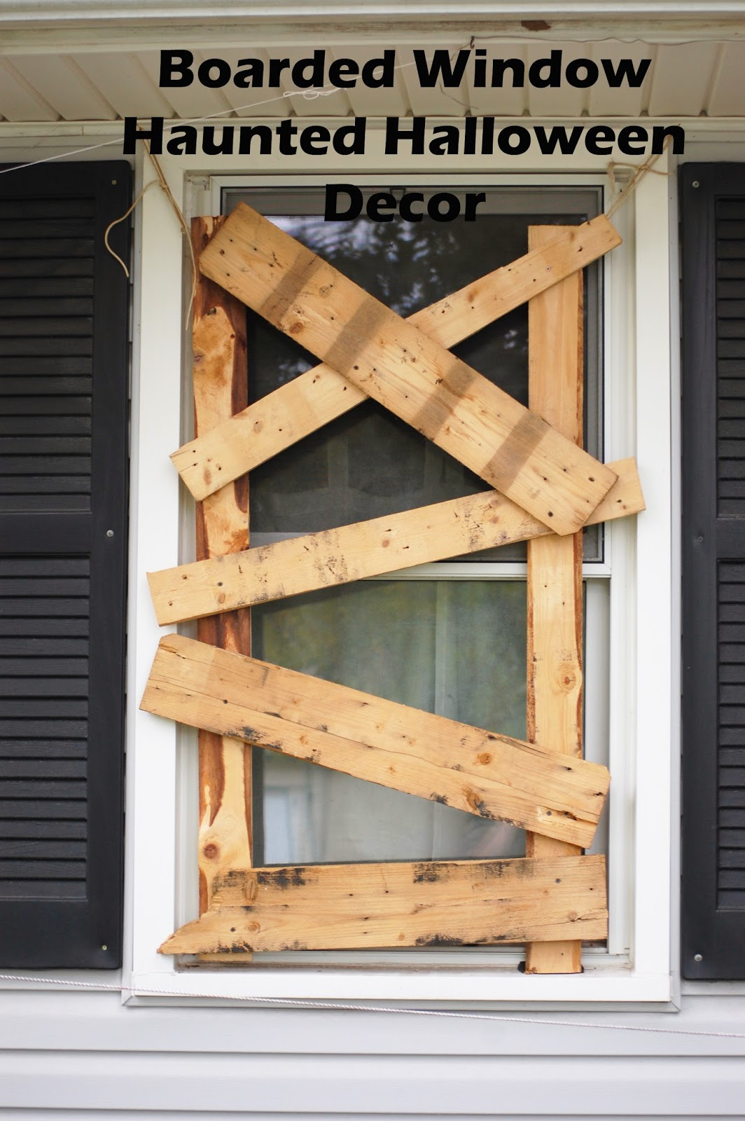 Violet's Buds: Boarded Window Halloween Decoration DIY