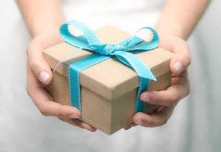 معنى الهدية في حلم العزباء