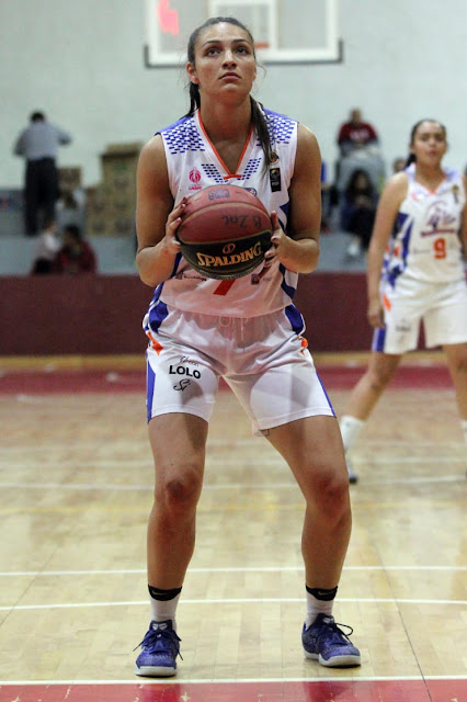 Anuska Maldonado, triunfando basketball player