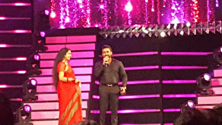Surya recieving best actor award filmfare 2017 pics