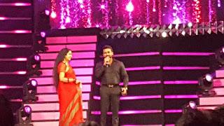 Surya recieving best actor award filmfare 2017 pics